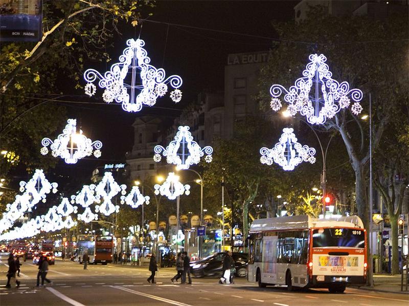 L'Ajuntament de Barcelona pagarà el 75% de la il·luminació de Nadal 2020 a la ciutat