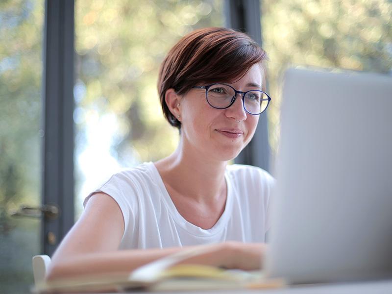 Barcelona Activa ofrece más de 800 cursos durante el verano para mejorar competencias digitales y de empleabilidad